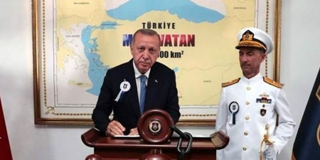 Erdoğan'ın önünde poz verdiği harita Yunan'ı rahatsız etti