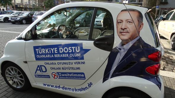 Erdoğan'ın resmiyle oy istediler!