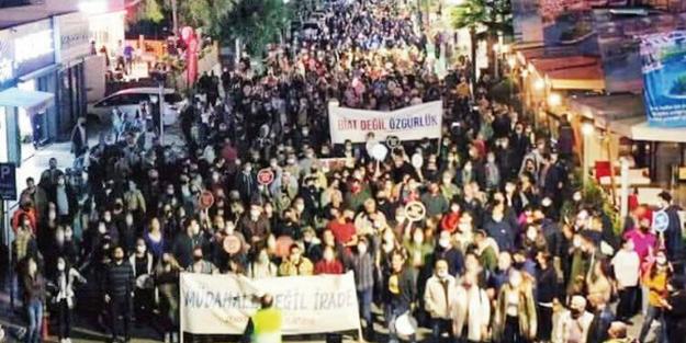 Erdoğan'ın ziyareti öncesi Türkiye'ye karşı ayaklandılar! Kaos yürüyüşünün başında Akıncı var
