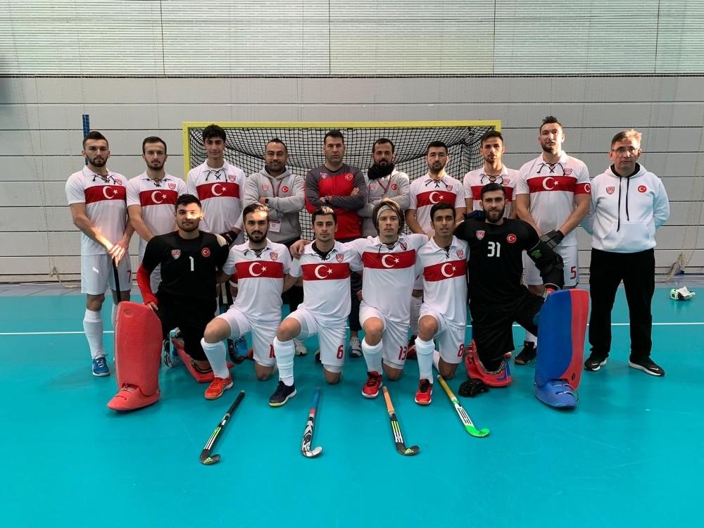 Erkek Salon Hokeyi Milli Takımı Avrupa Şampiyonasına iyi başladı