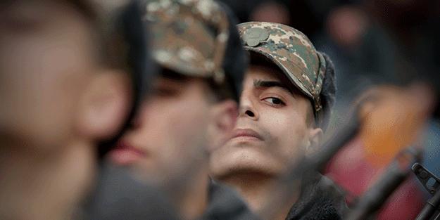 Akit'e özel açıklamalar: 'Ermeniler' silahlarını bırakıp kaçmaya başladı!
