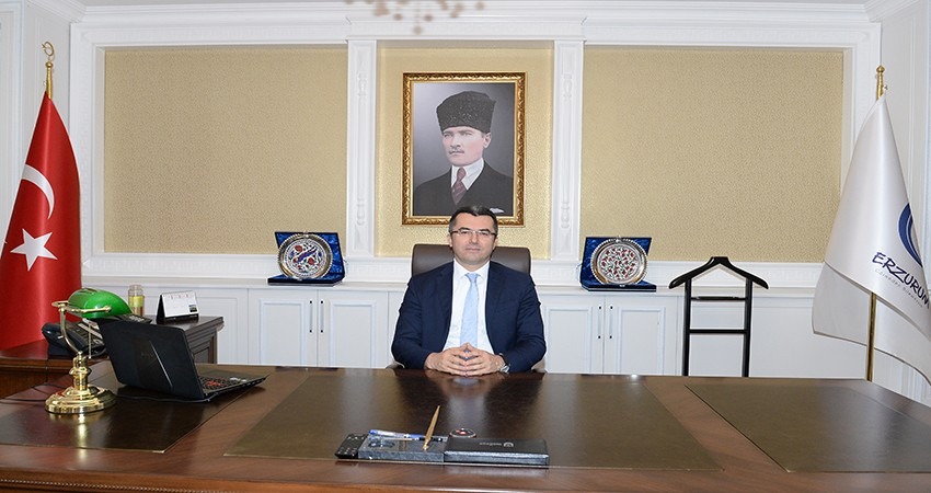 Erzurum Valisi Okay Memiş'ten 12 Mart mesajı