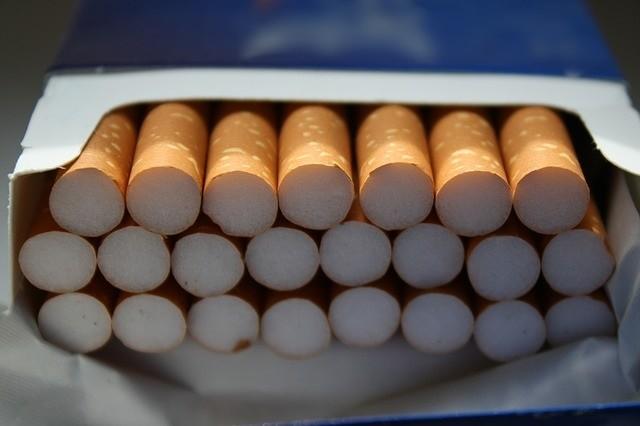 Eski Sağlık ve Turizm Bakanı uyardı! Amerikalı sigara şirketinden şeytani plan