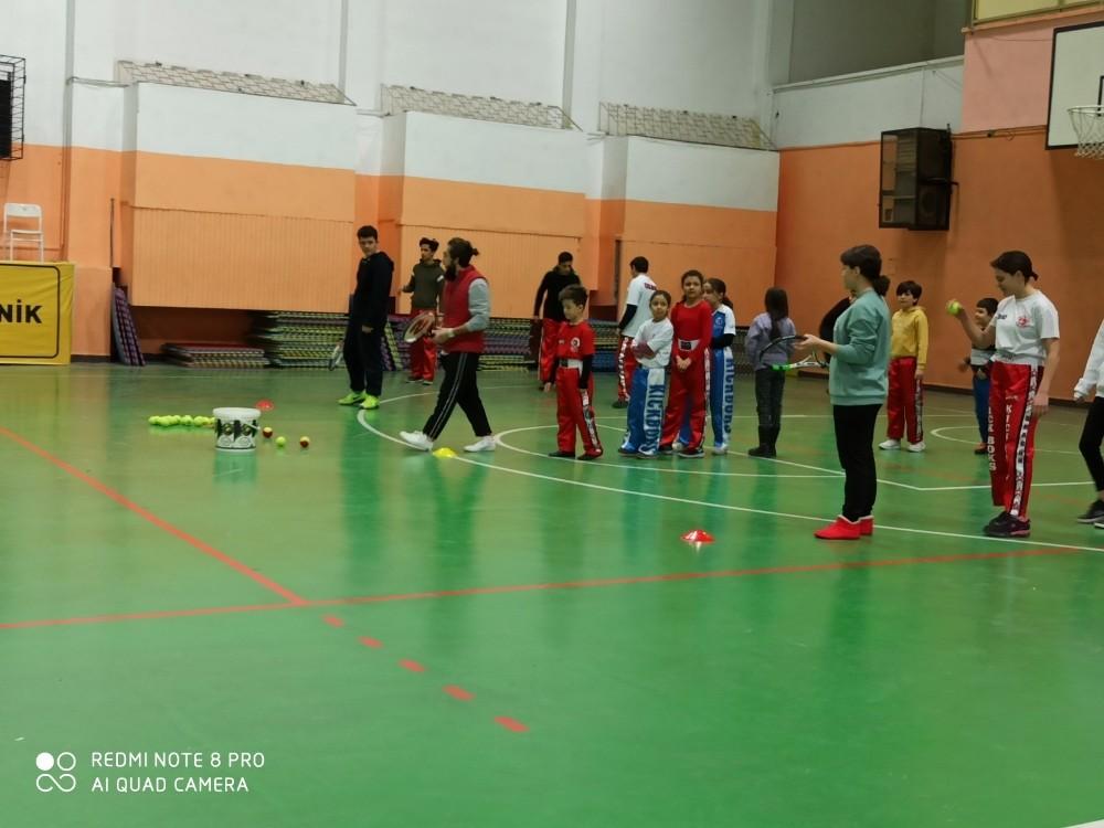 Eskişehir Gökmeydan Spor Kulübü'nün yeni hedefi 'tenis'