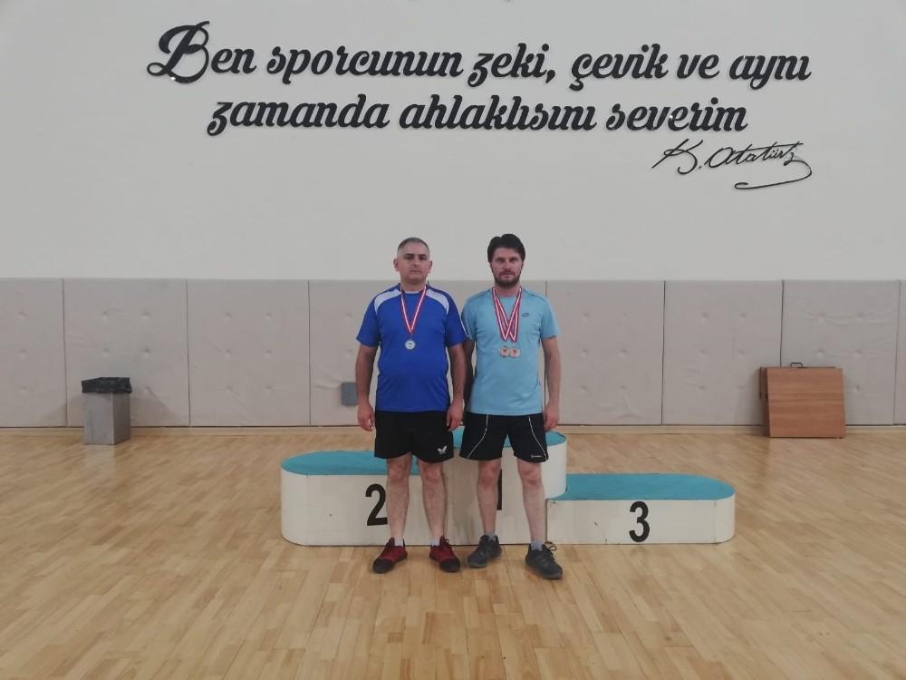 Eskişehir Veteran Masa Tenisi Turnuvasında Pazaryeri iki madalya aldı