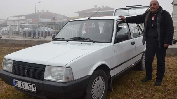 Eskişehir'de garajdan çıkmayan otomobil yıllar sonra satılıyor