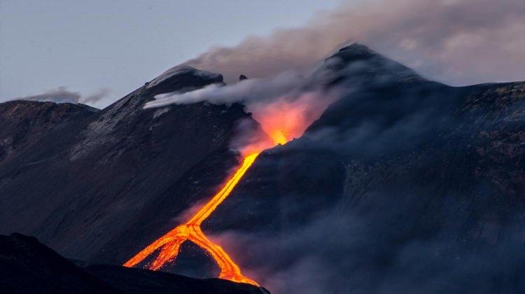 Etna'da volkanik hareketlilik devam ediyor