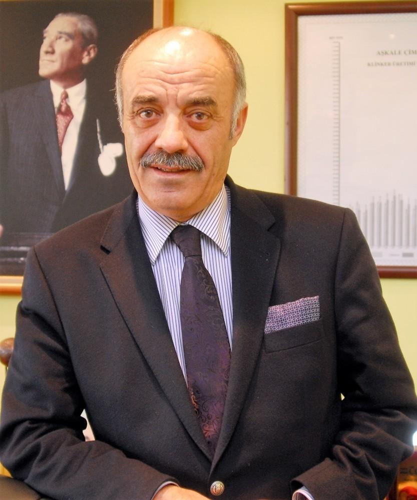"""ETSO Yönetim Kurulu Başkanı Lütfü Yücelik; """"23 Nisan, Milletimizin Vatanına Sahip Çıktığı Gündür"""""""