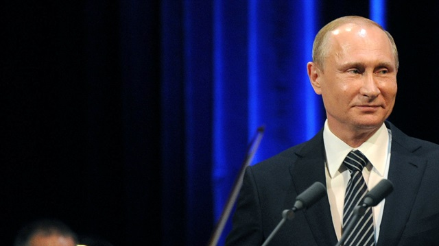 EURO 2016 öncesi Rusya'dan İngiltere'ye 'denizaltı' jesti