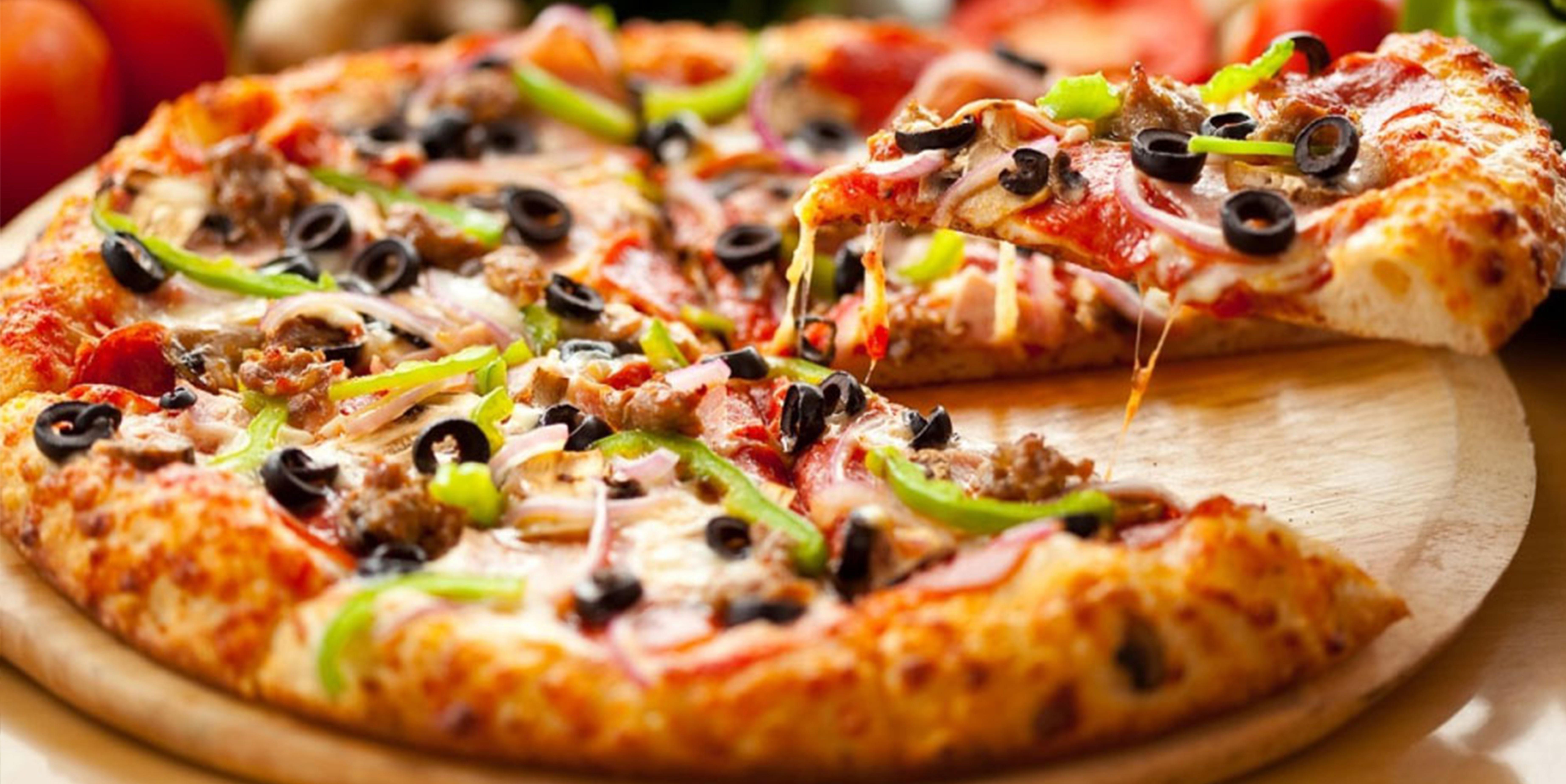 Evde kolay pizza tarifi | Lezzetli pizza hamuru nasıl yapılır?