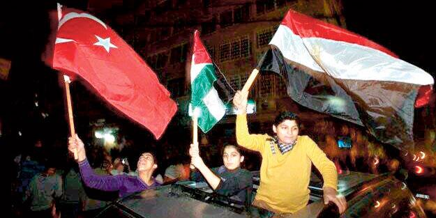 'Evet' Filistinlileri sevindirdi