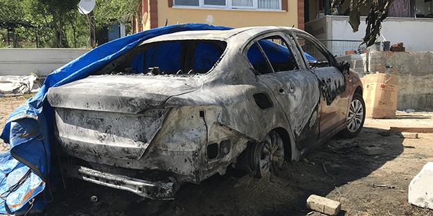 Evinde silahlı saldırıya uğrayan kadın ile eniştesinin kundaklandığı öne sürülen araçlar yandı
