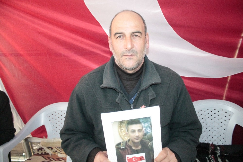 Evlat nöbetindeki ailelerden HDP'li Pervin Buldan'a tepki