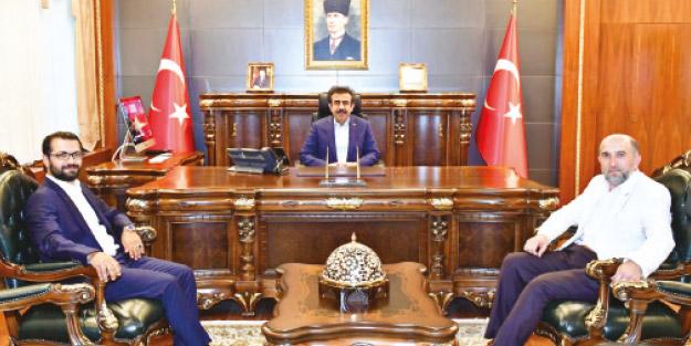 Eylemci analara destek veren Vali Güzeloğlu: Burası terör şehri değildir! Diyarbakır'ın gerçek ruhu sahabelerdir