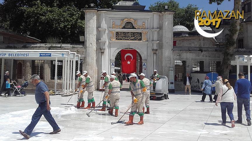 Eyüp Sultan Camisi Ramazanda gül kokacak