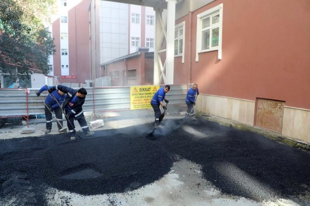 Eyüpsultan Devlet Hastanesi çevresinde bakım-onarım yapıldı