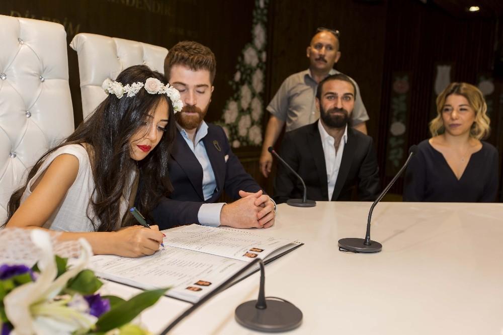 Eyüpsultan'da nikaha büyük ilgi