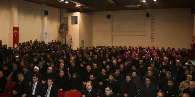 Muş'ta 'İslam'da Ailenin Önemi ve Aile Bağlarının Güçlendirilmesi' konferansı