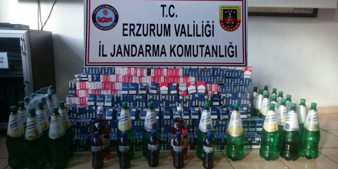Polisten kaçan otomobilden kaçak sigara ve içki ele geçirildi