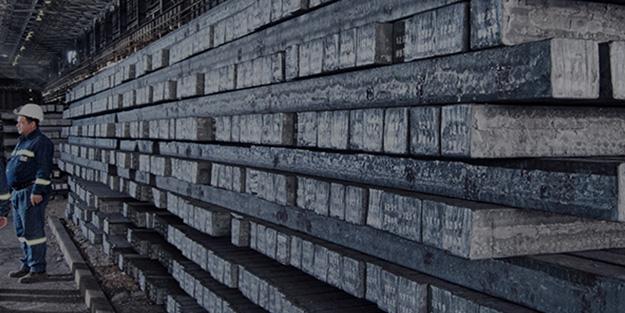 Fabrikada üzerine 30 tonluk demir düşen işçi öldü