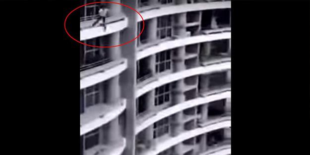 Facia! Selfie sevdası can aldı... 27'inci kattan yere çakıldı