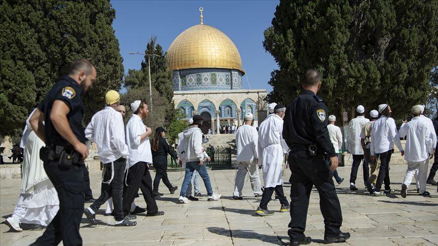 Fanatik Yahudilerin Mescid-i Aksa'ya baskınları durmuyor