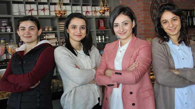 Farklı alanlarda eğitim gören dört kız kardeş fındığa yatırım yaptı