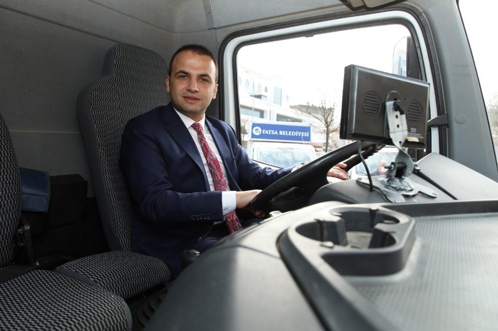 Fatsa Belediyesi'ne araç takviyesi