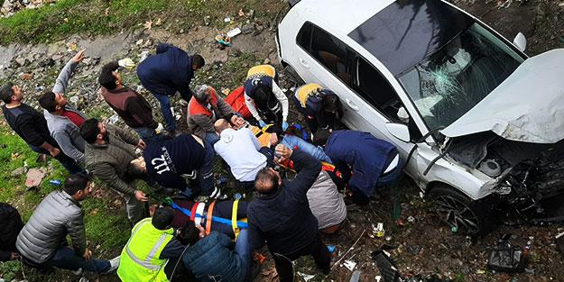 Feci olay! Otomobil köprüden uçtu: Yaralılar var