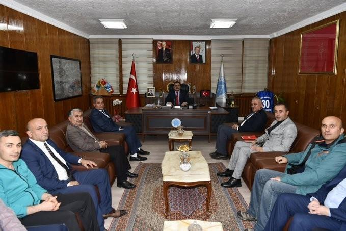 Federasyon temsilcilerinden Vali Akbıyık'a ziyaret