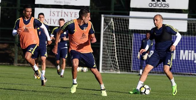 Fenerbahçe derbi hazırlıklarına devam ediyor