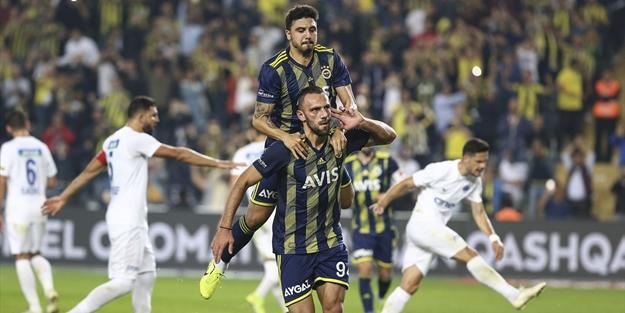 Fenerbahçe maç fazlasıyla liderliğe yükseldi!