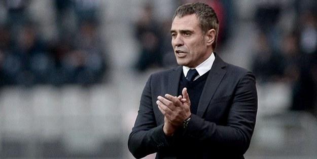 Fenerbahçe teknik direktörü Ersun Yanal 4 oyuncunun biletini kesti