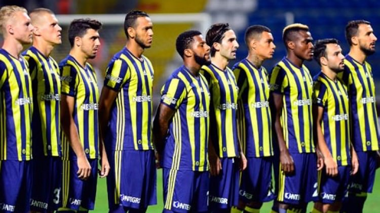 Fenerbahçe yıldıza Avrupa'dan teklif yağıyor