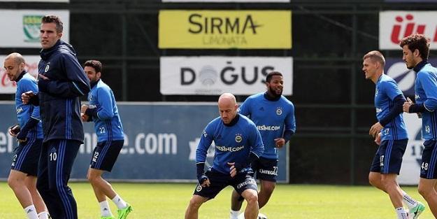 Fenerbahçe'de derbi mesaisi!