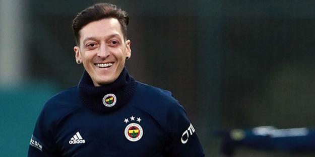 Fenerbahçelilerin yıllardır beklediği tarihi gün geldi! İşte Mesut'un imza töreni saati