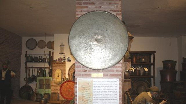 Fermanla yaptırılan sini Tokat'ta sergileniyor