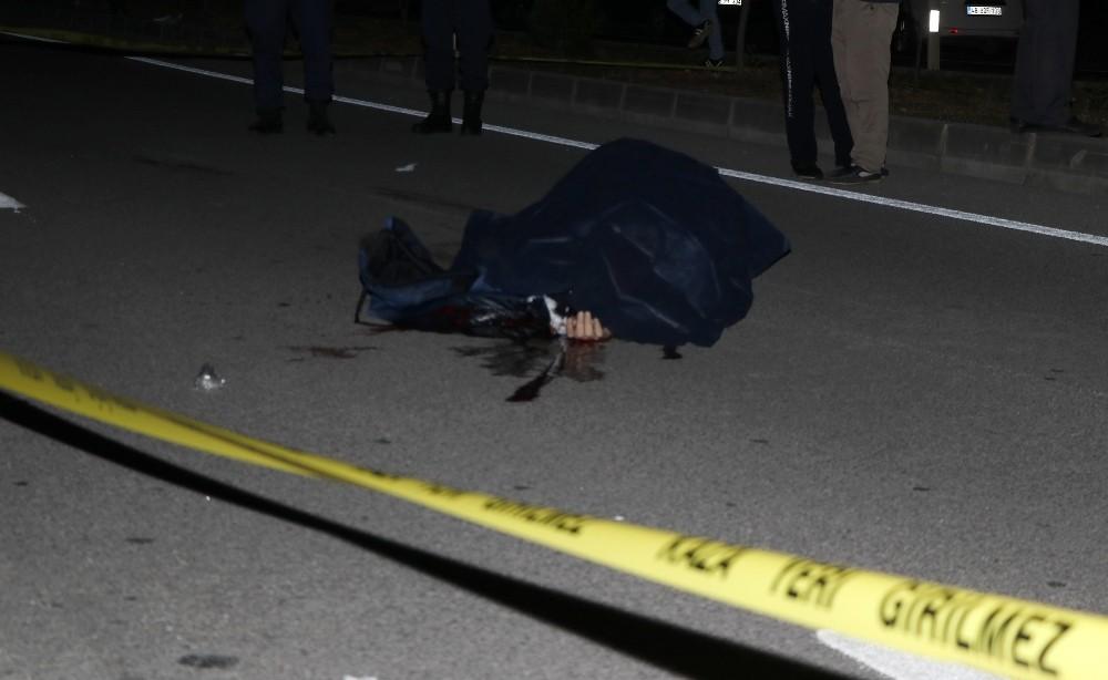 Fethiye'de park halindeki kamyona çarpan motosiklet sürücüsü öldü
