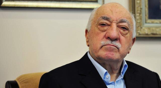 FETÖ lideri Fetullah Gülen'den örgüt üyelerine sokağa çıkın çağrısı!