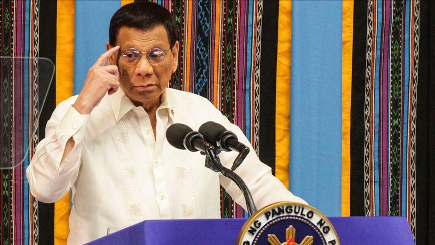 Filipinler'de Kovid-19 nedeniyle Devlet Başkanı Duterte'ye dokunulmasına izin yok