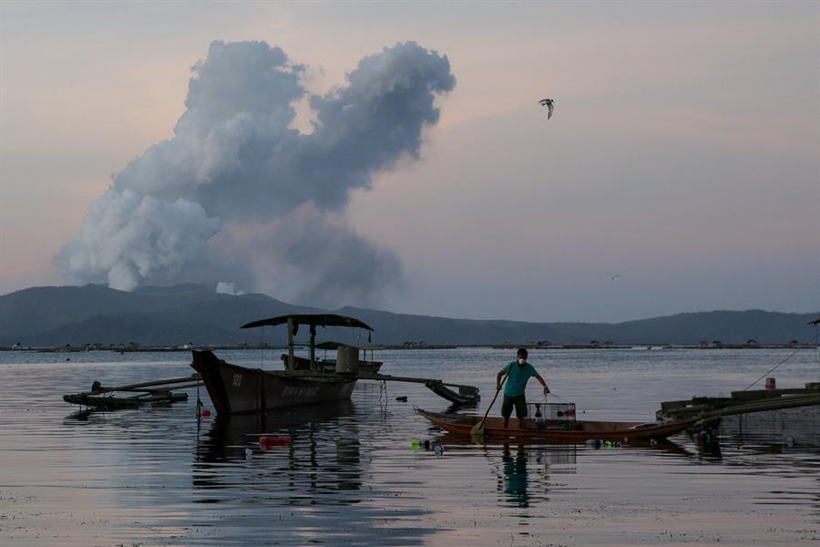 Filipinler'de on binlerce kişi tahliye edildi! Uyarı geldi: Her an patlayabilir
