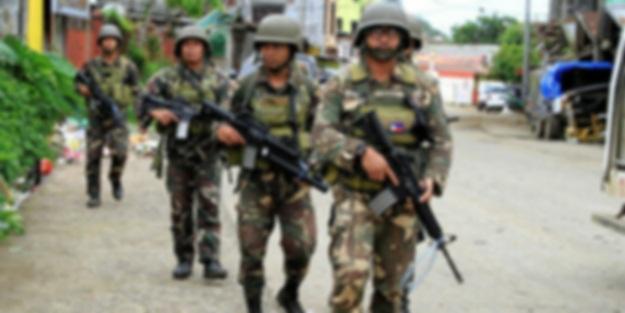 Filipinler'de suçlu sanılan 4 asker öldürüldü