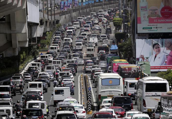 Filipinler'de ulaşıma korona darbesi