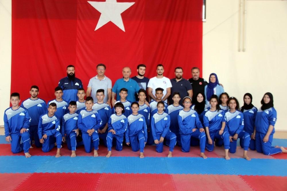 Filistin Taekwondo Milli Takımı Kayseri'de kamp yapıyor