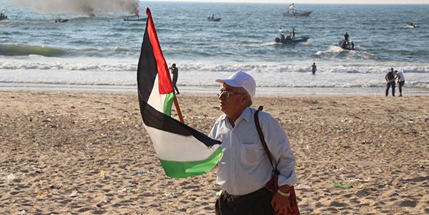 Filistin'de İsrail protestosu! Binlerce insan...