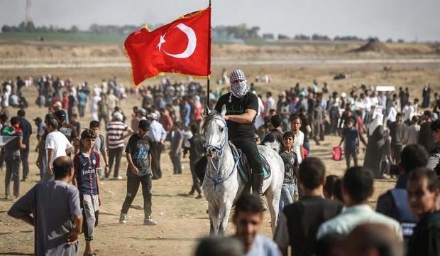 Filistin'de bayrağımızı böyle dalgalandırdı