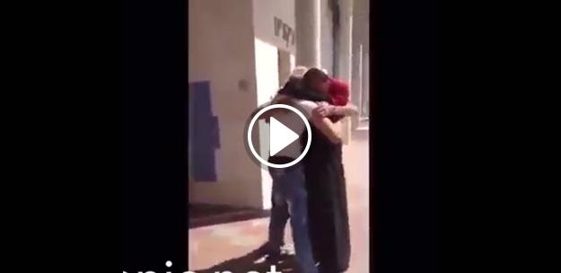 Filistinli genç anne ve babasını tekrar görebildiğinde...