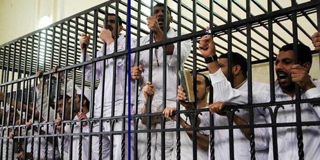 Firavun mahkemesinden 8 idam kararı daha