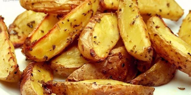 Fırında patates yemeği nasıl yapılır? Fırında patates kaşarlı tarifi malzemeleri