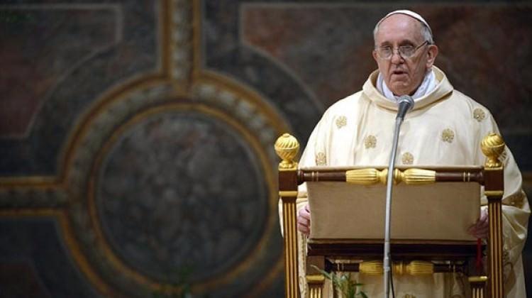 Francis, kilise adına özür diledi